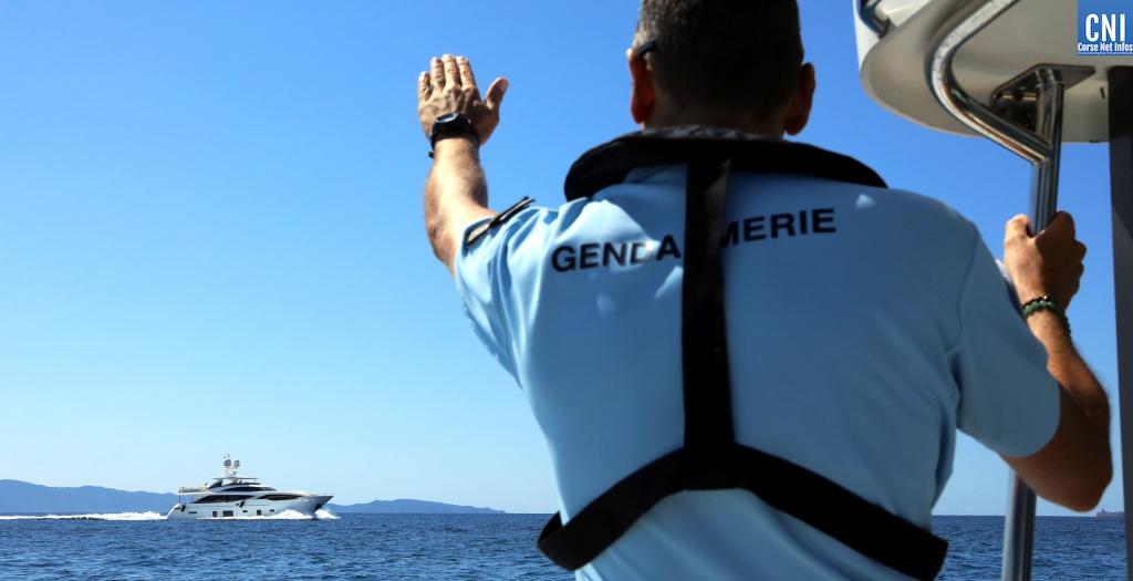 Covid-19 : kayakiste et navires de plaisance ramenés à quai à Ajaccio. Les interdictions c'est en mer aussi…