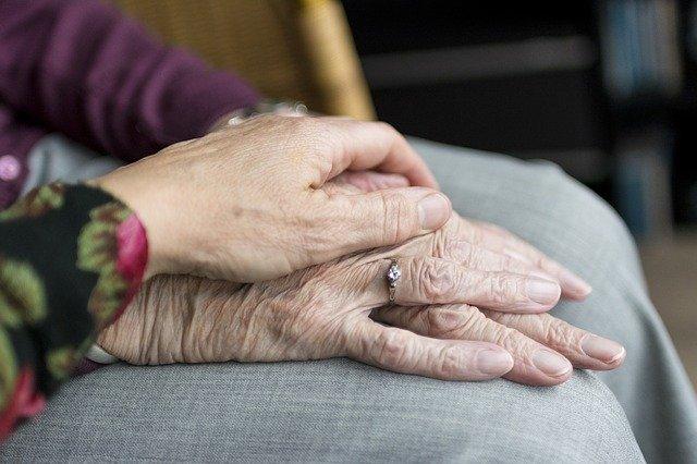 Coronavirus : La détresse des aides et infirmiers à domicile corses face à l'épidémie