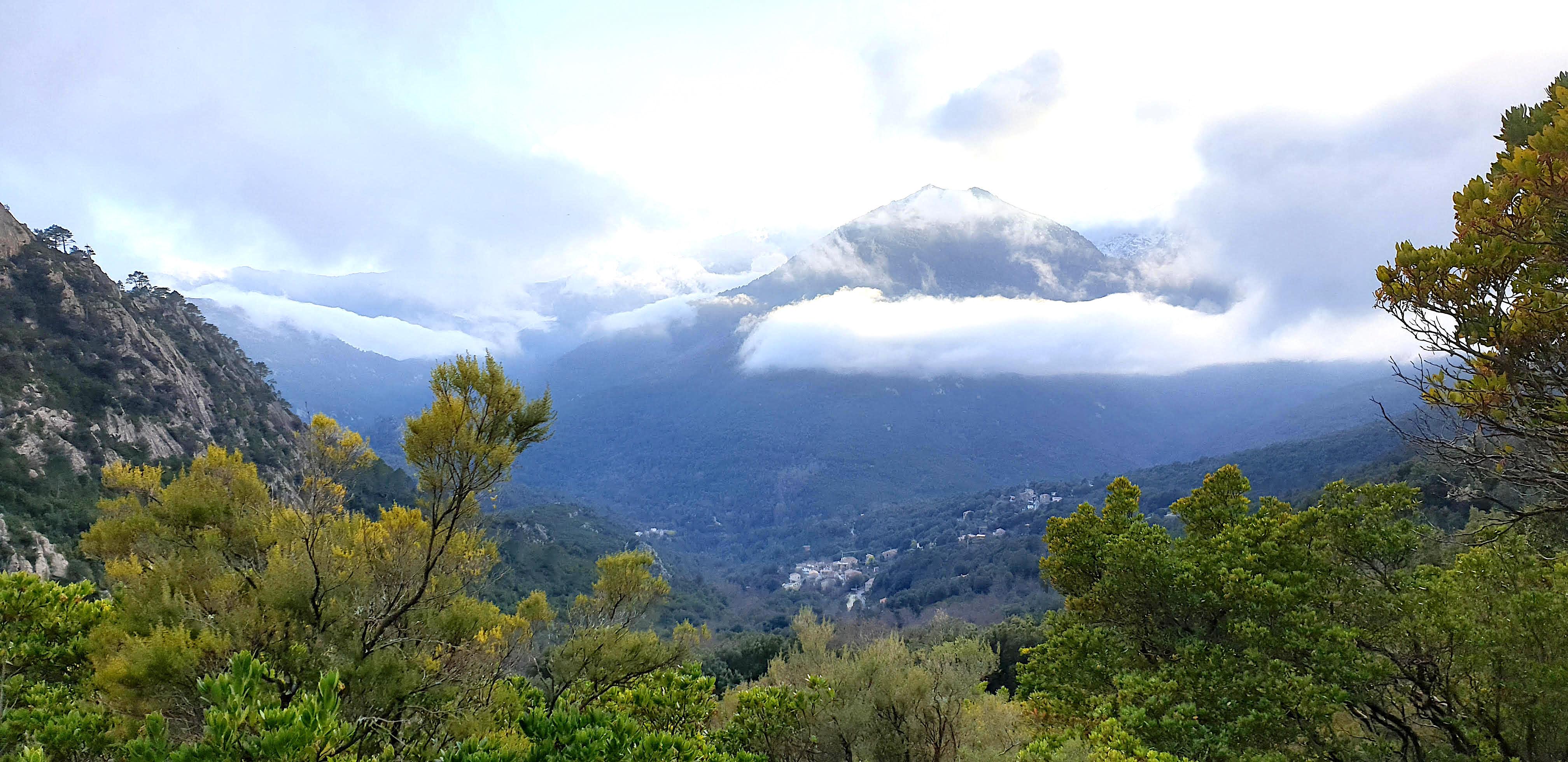 Chisa, comme au pied d'un volcan (T. Tomasini)