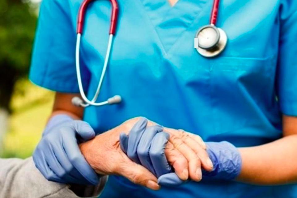 """Coronavirus et solidarité :  """"Faites une blouse"""", les soignants ont besoin de vous"""