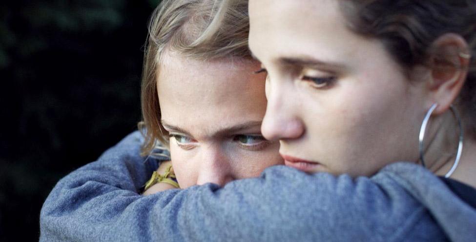 Justine Lacroix et Sarah Henochsberg, les deux révélations du film de Claire Burger