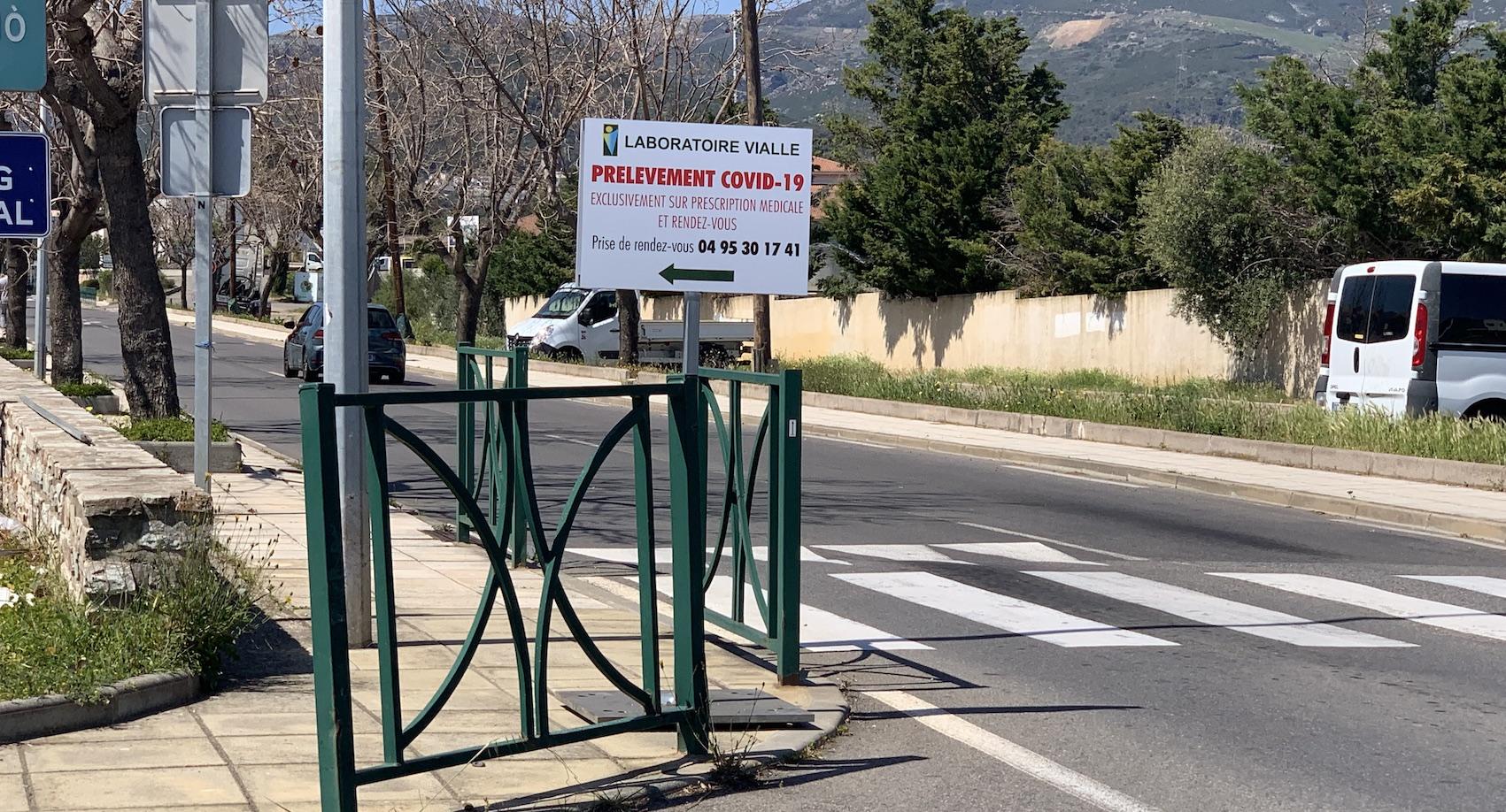 """A Bastia, un """"drive"""" pour sécuriser le dépistage du Covid-19"""