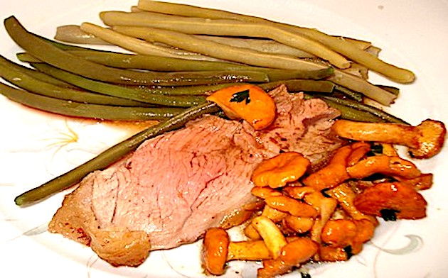 A table : gigot d'agneau aux flageolets et haricots verts