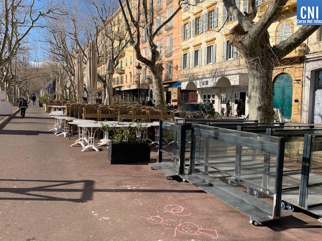 Les bars et restaurants de Corse pourraient rouvrir le 15 juin.