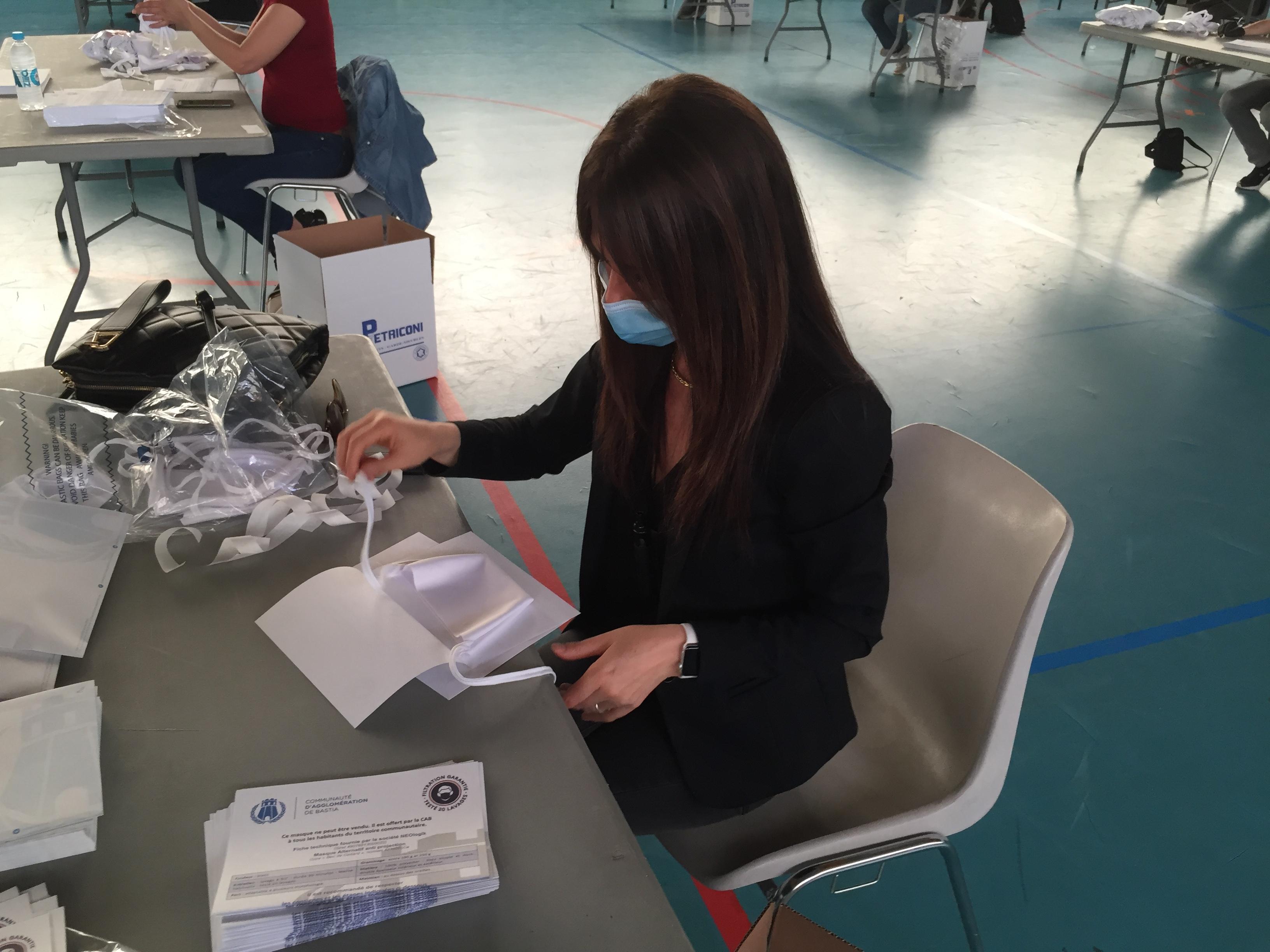 60 000 masques réutilisables vont être distribués gratuitement à la population des 5 communes de la CAB