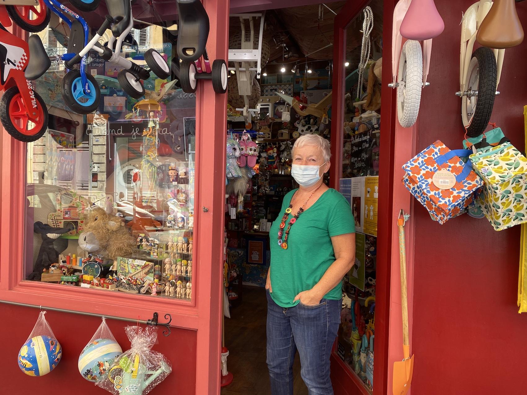 Nine, propriétaire d'un magasin de jouets à Bastia.