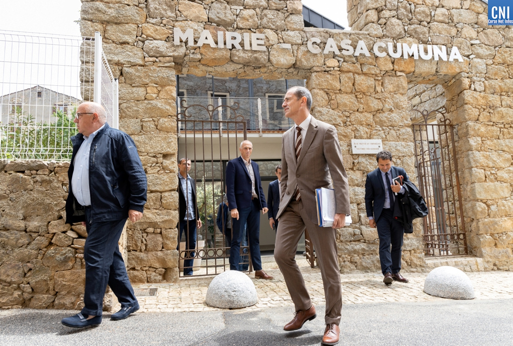 Le préfet de région Franck Robine en visite à Vico
