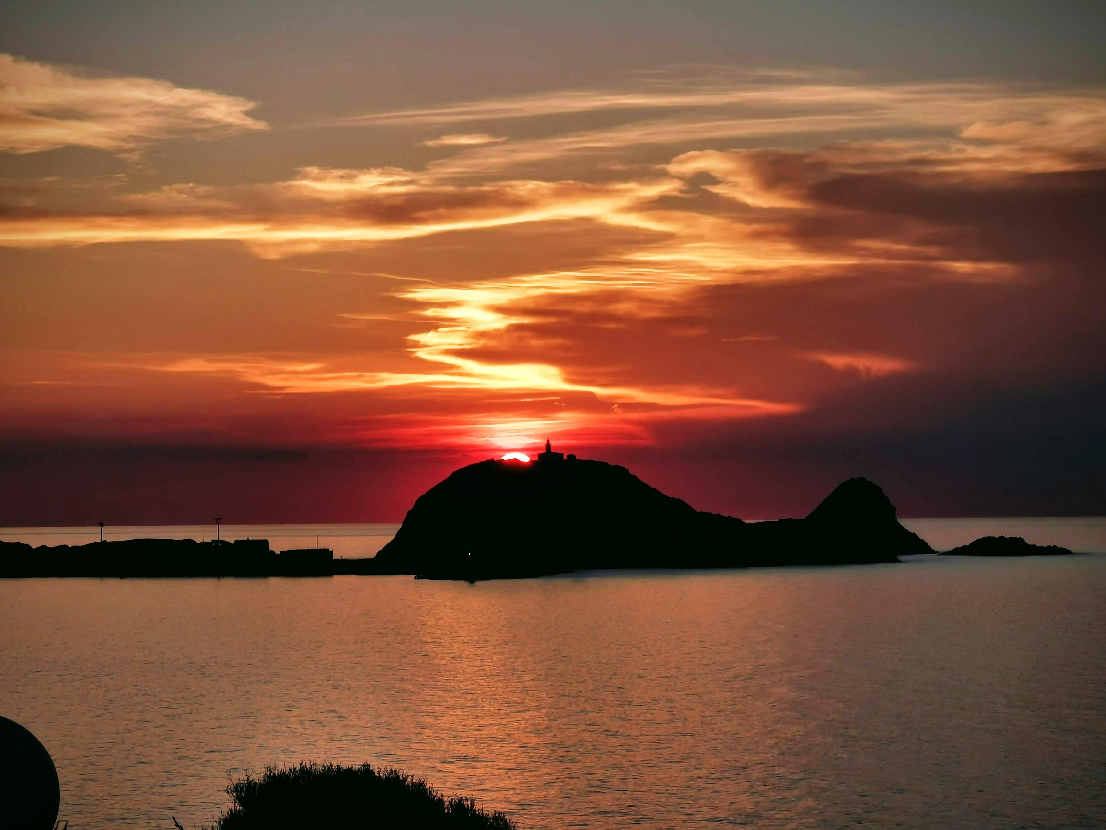 La photo du jour : l'ultime clin d'œil du Soleil à Lisula