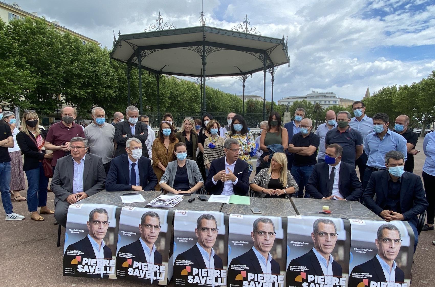 Pierre Savelli et son équipe entrent en campagne de second tour avec notamment le président de l'exécutif Gilles Simeoni, les trois députés et deux maires de la CAB.