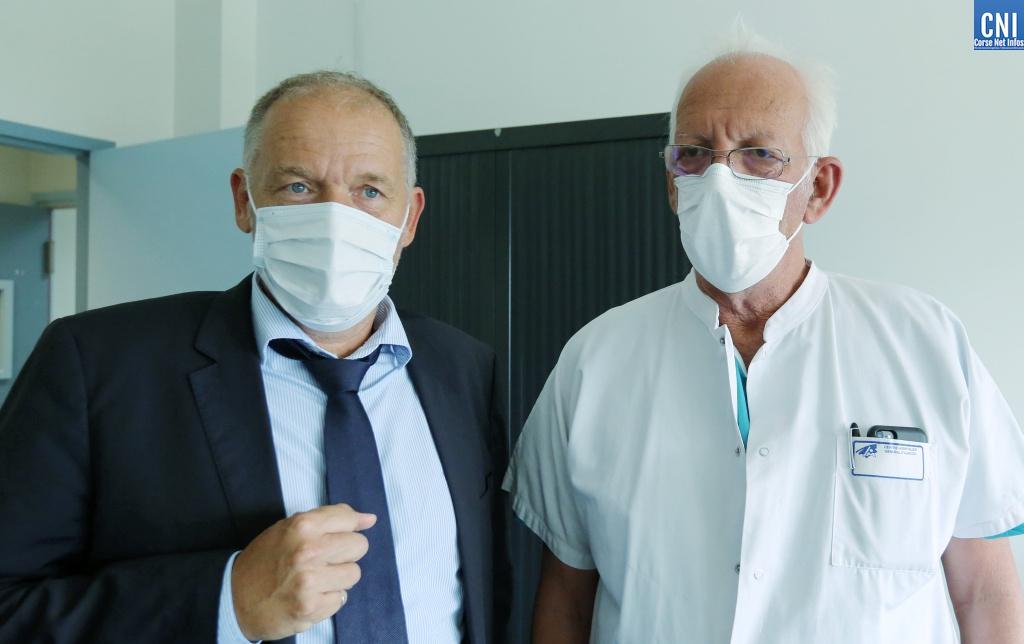 Le directeur de l'hôpital d'Ajaccio Jean-Luc Pesce et le médecin conseil Bernard Lecomte. (Photo Michel Luccioi)