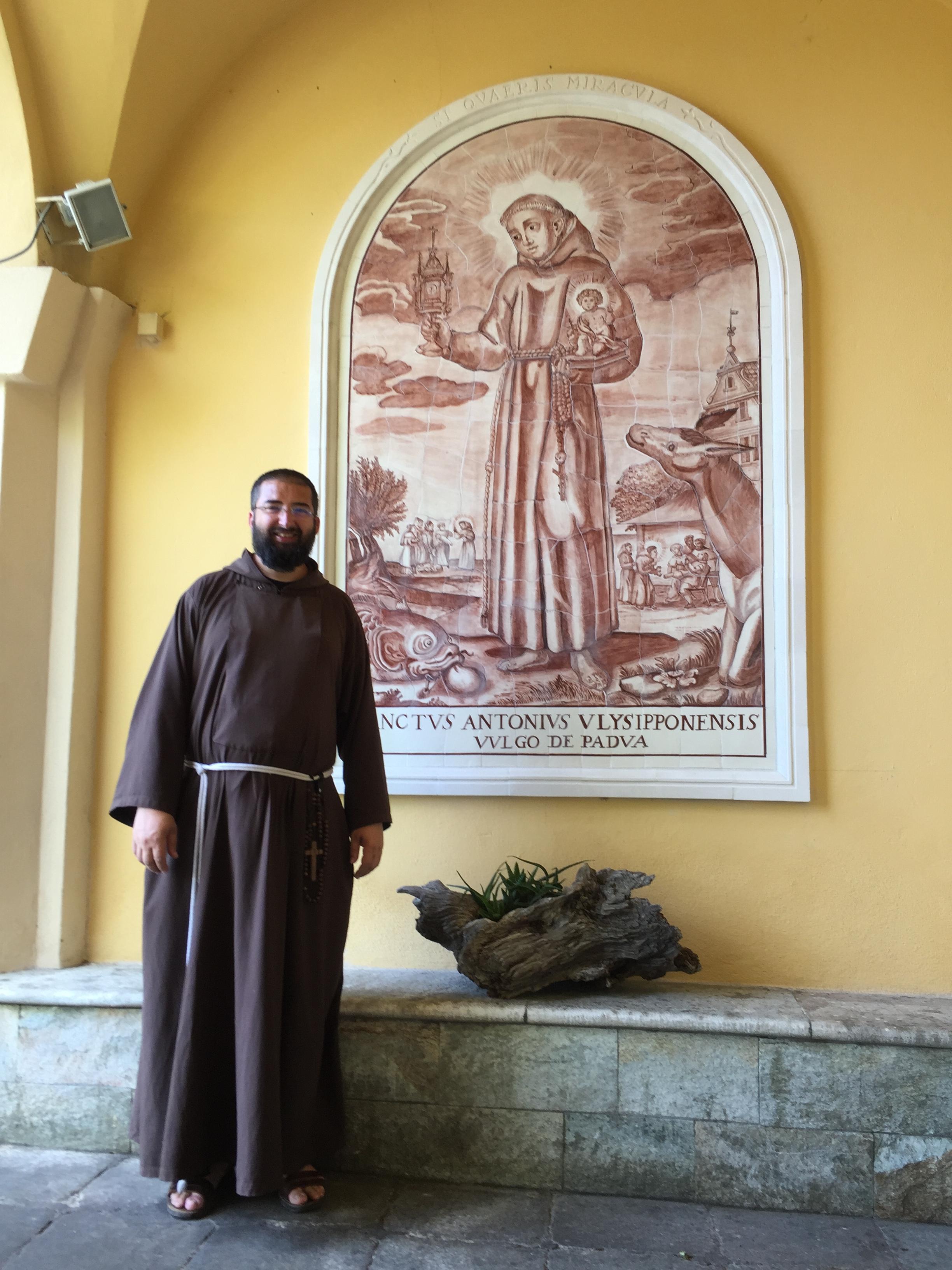 Le Père François-Dominique s'apprête à célébrer St Antoine dans des conditions bien inhabituelles cette année.