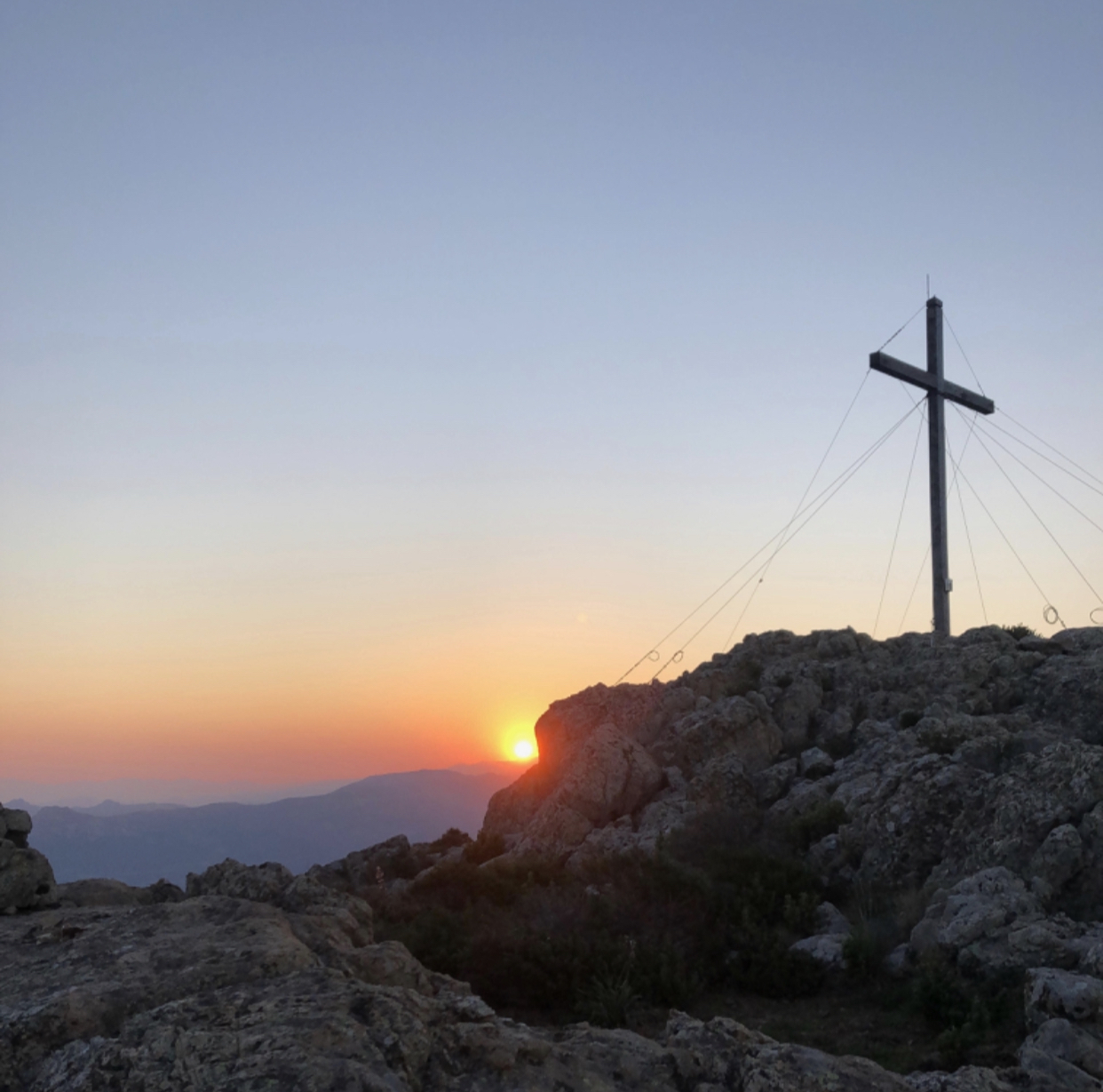 La photo du jour : lever de Soleil vu depuis u Capu di a Veta