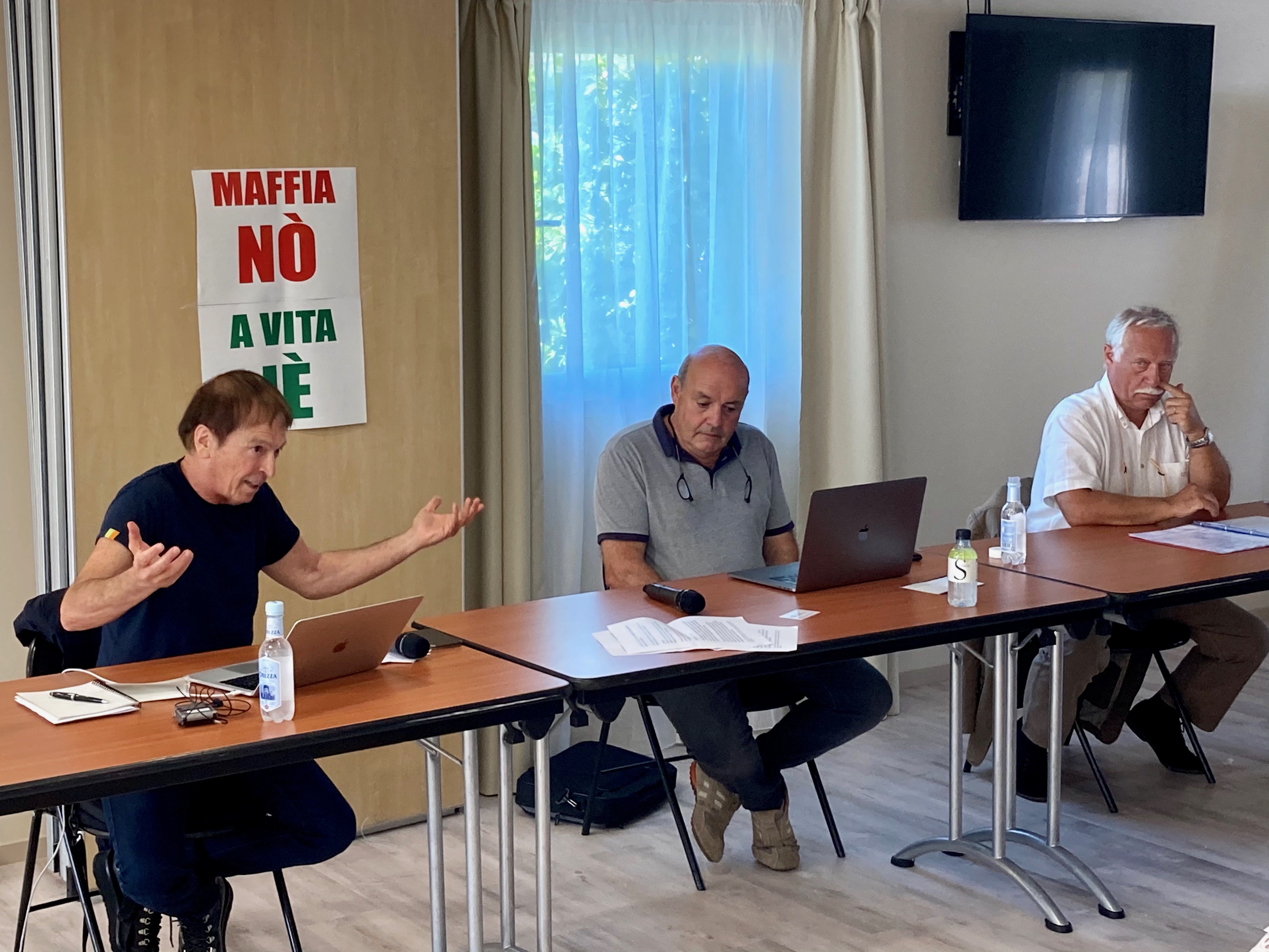 Jean-Francois Bernardini, Léo Battesti et Ernest Centofanti, du collectif «A maffia no, a vita iè»