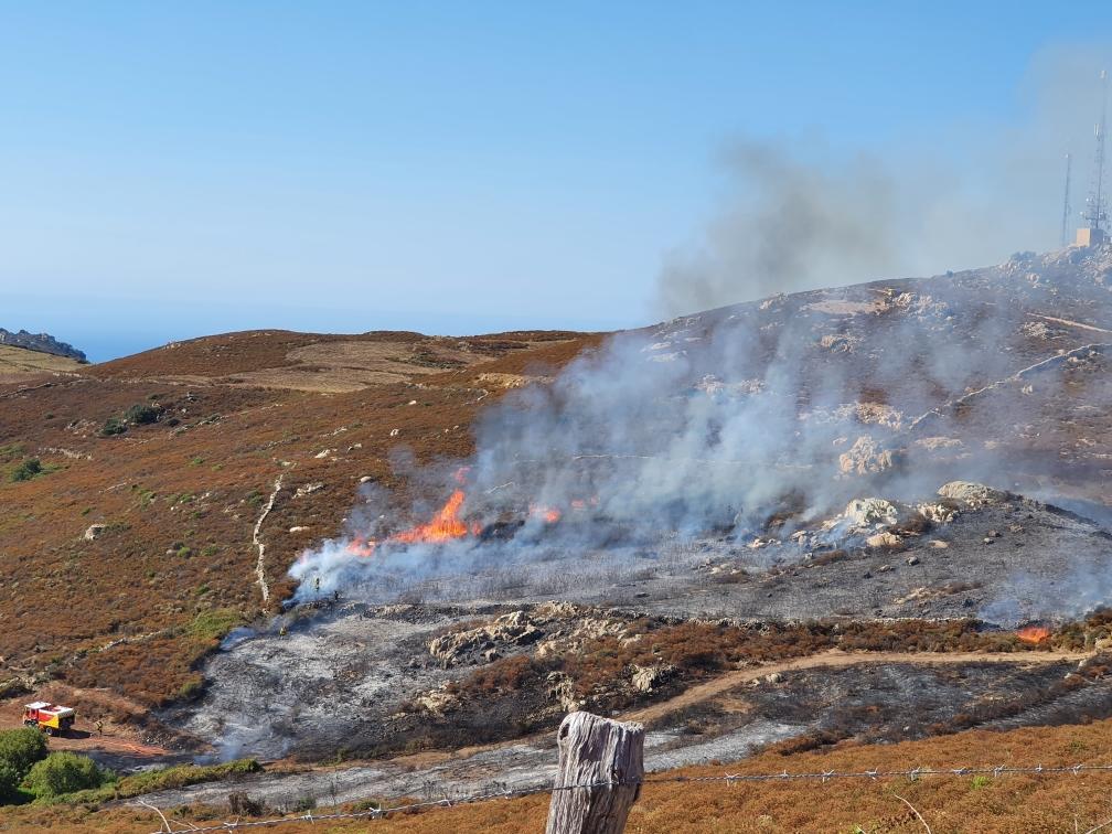 Reprise du brûlage dirigé au col de Salvi : un pompier légèrement incommodé