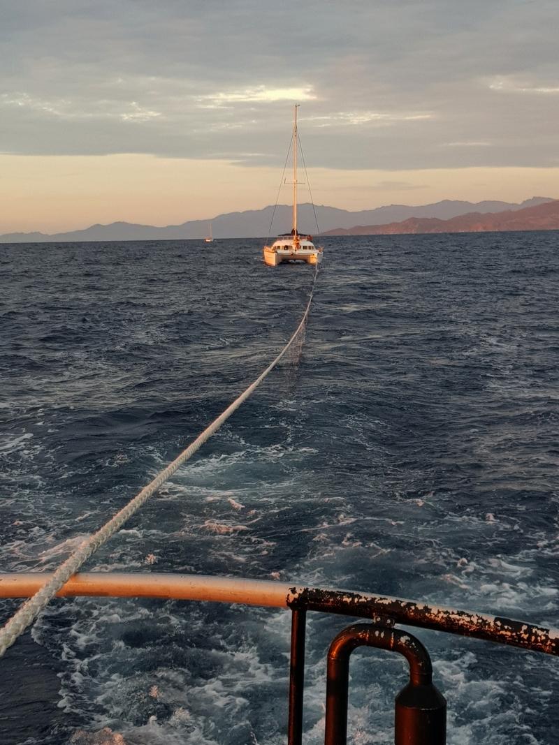 Le voilier a été pris en remorque par la vedette de la SNSM