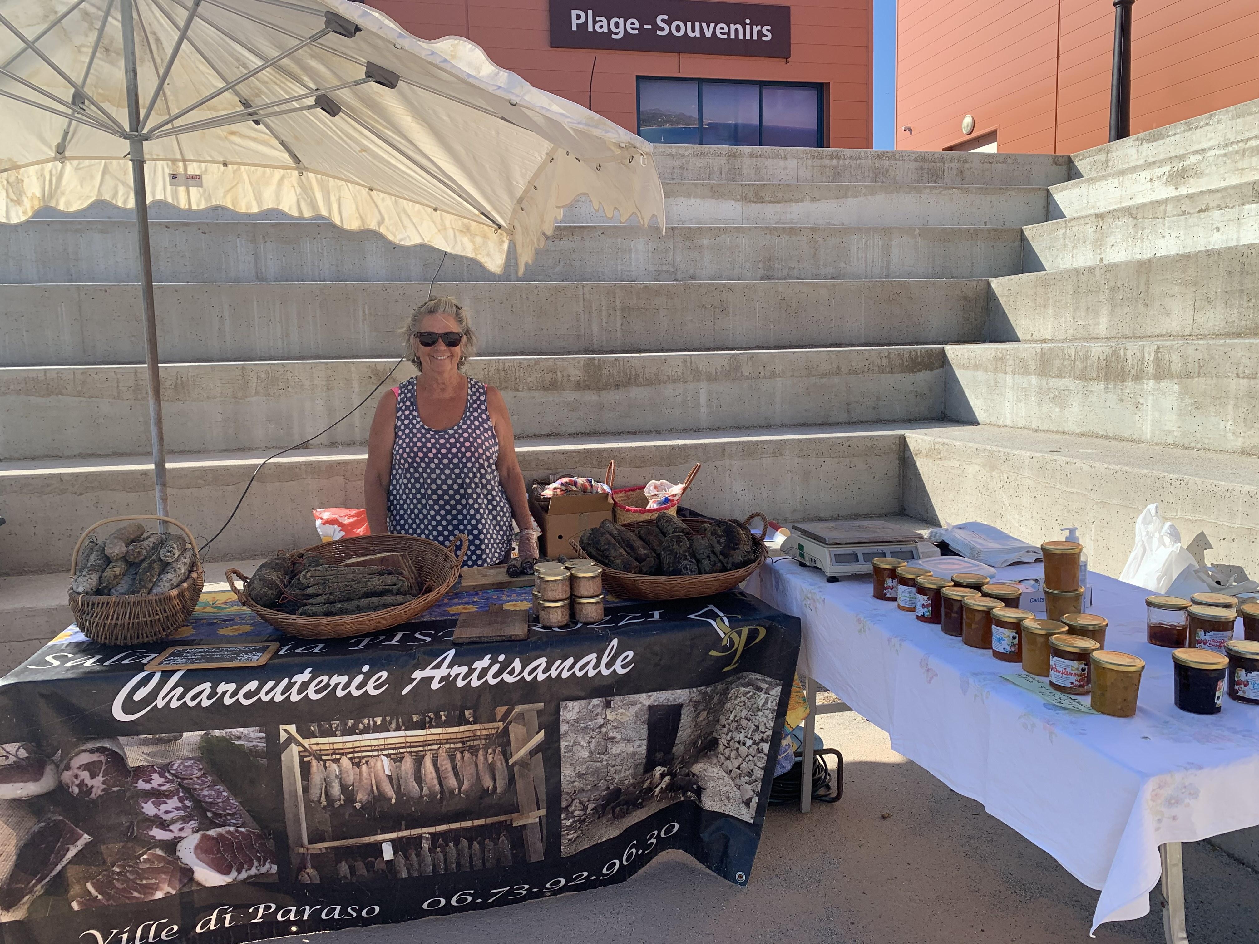 Un marché de producteurs et artisans locaux voit le jour à Lozari