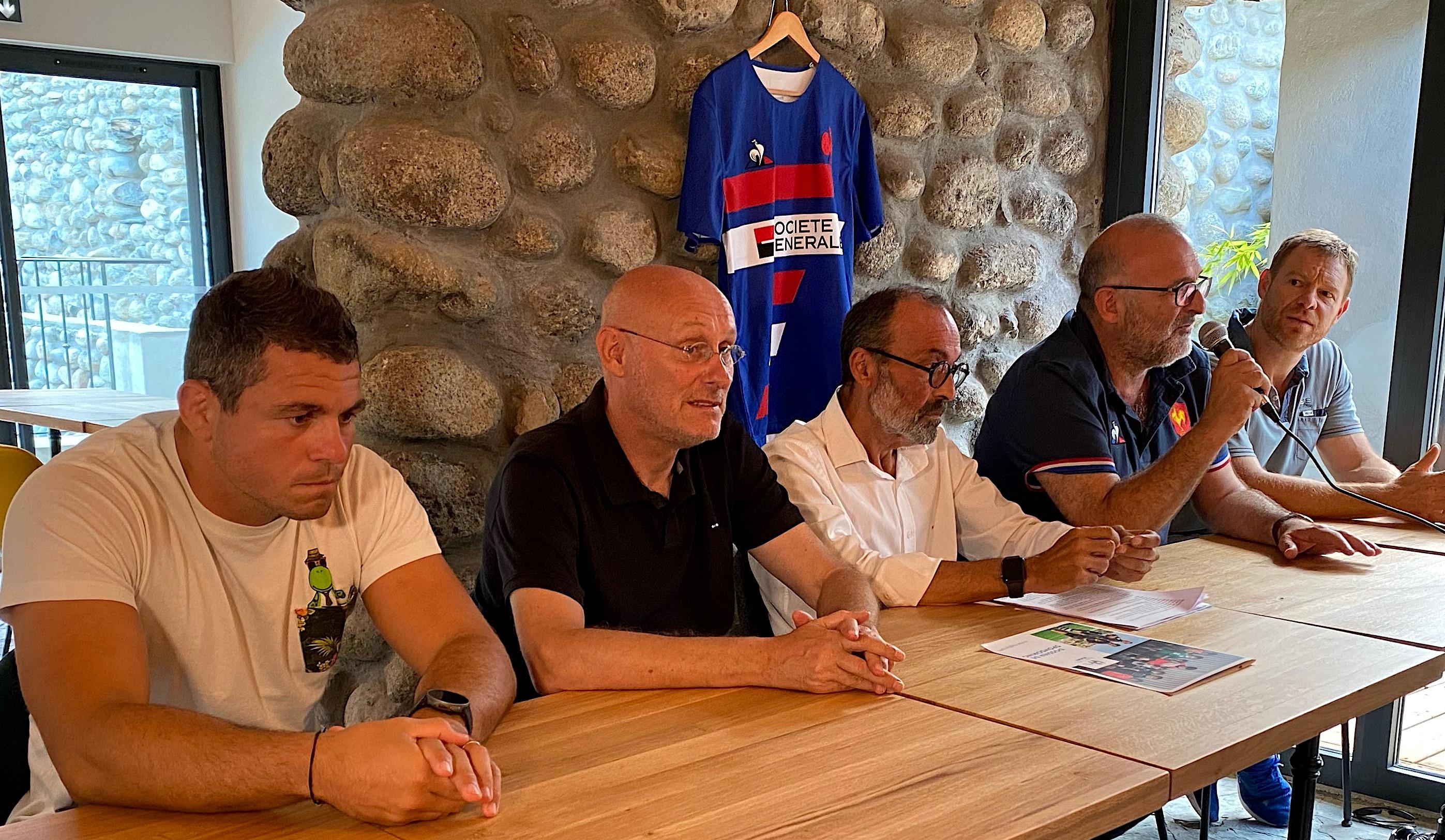 Guilhem Guirado, Bernard Laporte, Jean-Simon Savelli, Alban Moga et Thomas Withford