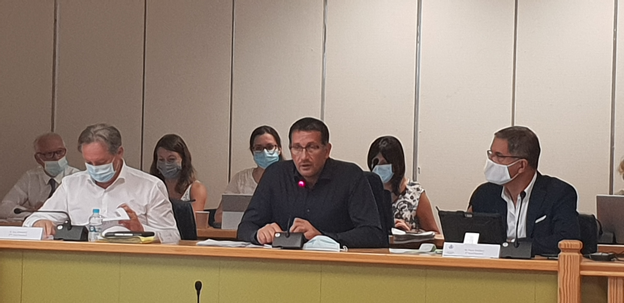 Louis Pozzo di Borgo, nouveau président de la CAB, a présidé vendredi son 1er conseil communautaire