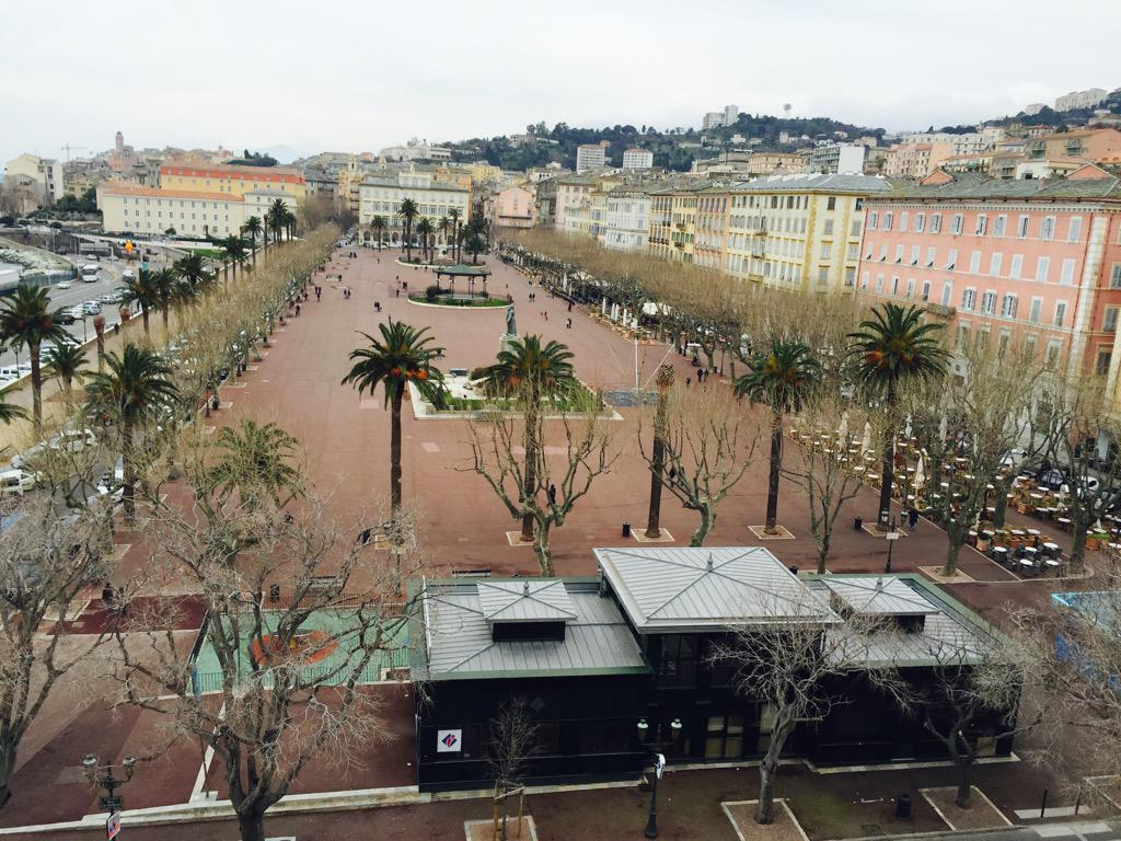 Place Saint Nicolas à Bastia.