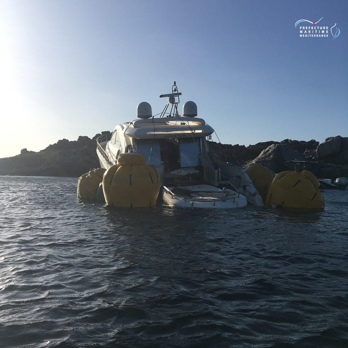 Remorqué vers le port de Porto-Vecchio, le Régis ne risque plus de s'échouer