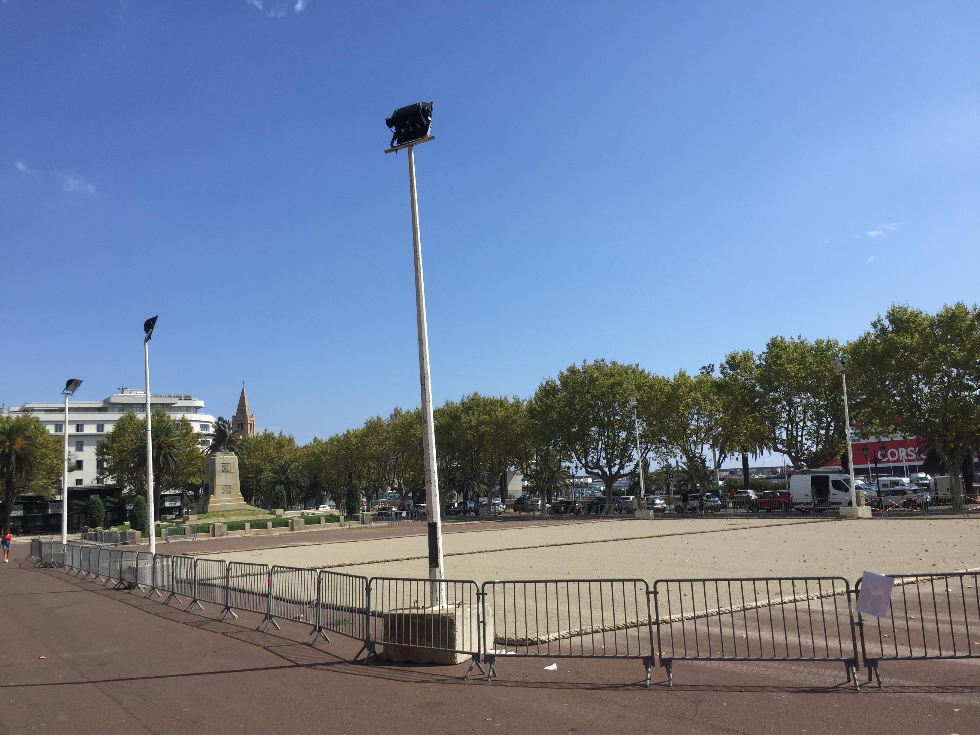 La place St Nicolas abritera plusieurs dizaines de terrains.