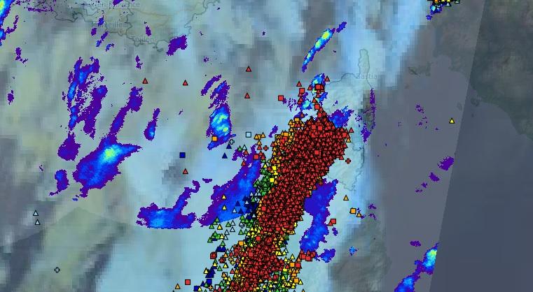 Les orages ont abordé la Corse par le SW, touchant de plein fouet la région ajaccienne