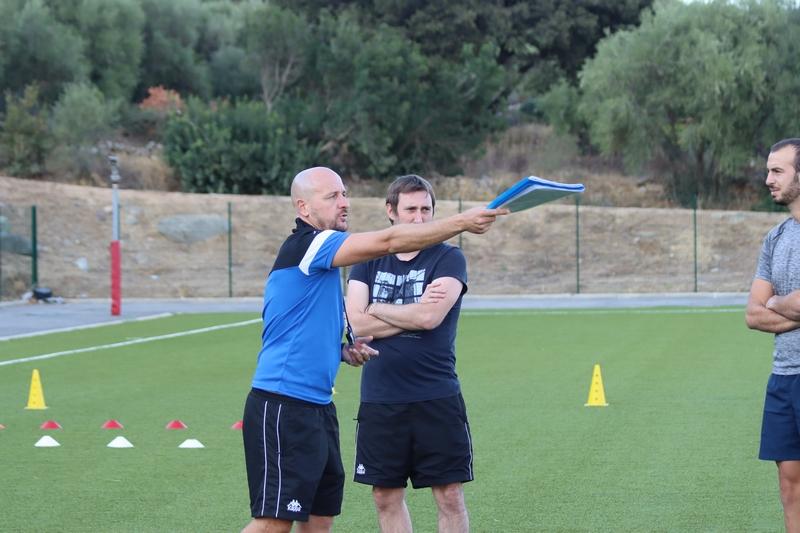 Les entraînement de l'équipe première dirigés par Pierre Moulard