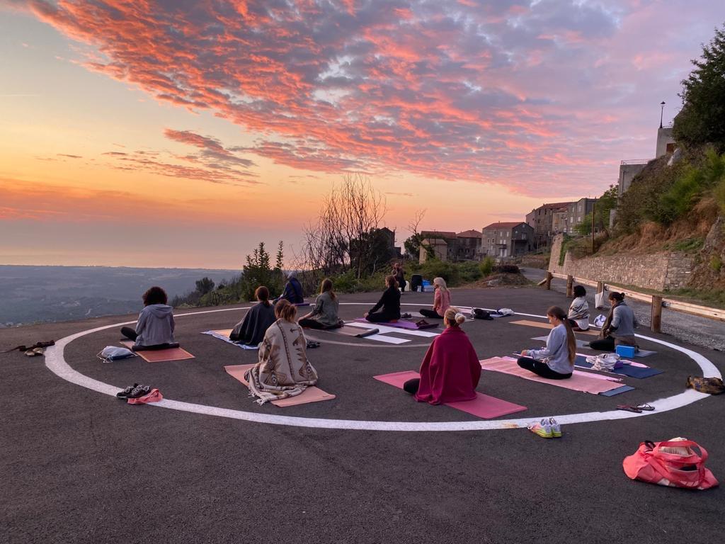 Beau succès pour le stage de Yoga à Canale di Verde