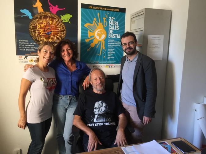 Raoul Locatelli, entouré d'une partie de l'équipe des Musicales de Bastia; Photo archives CNI