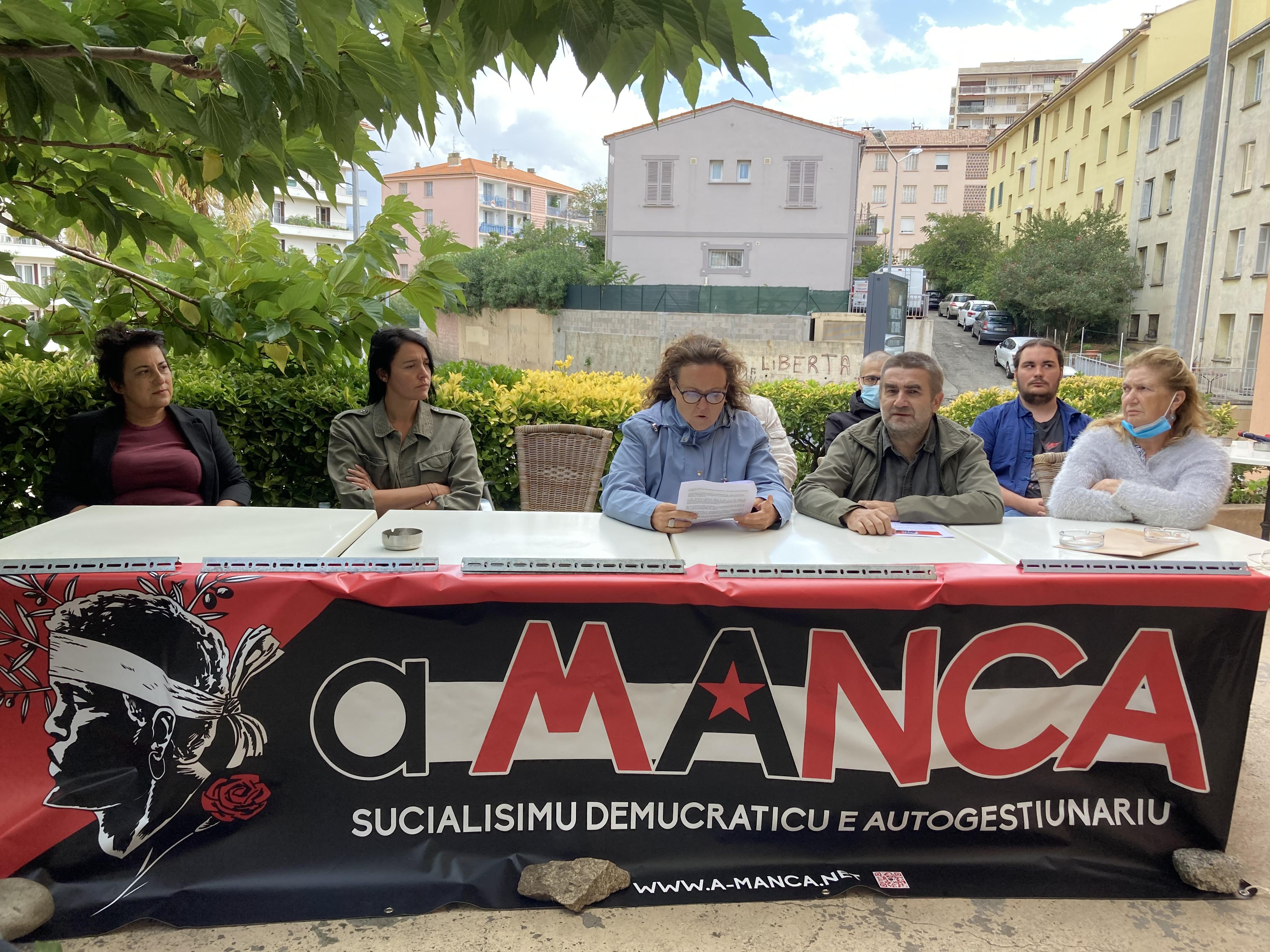 Les militants d'A Manca ce samedi 26 septembre à Ajaccio.