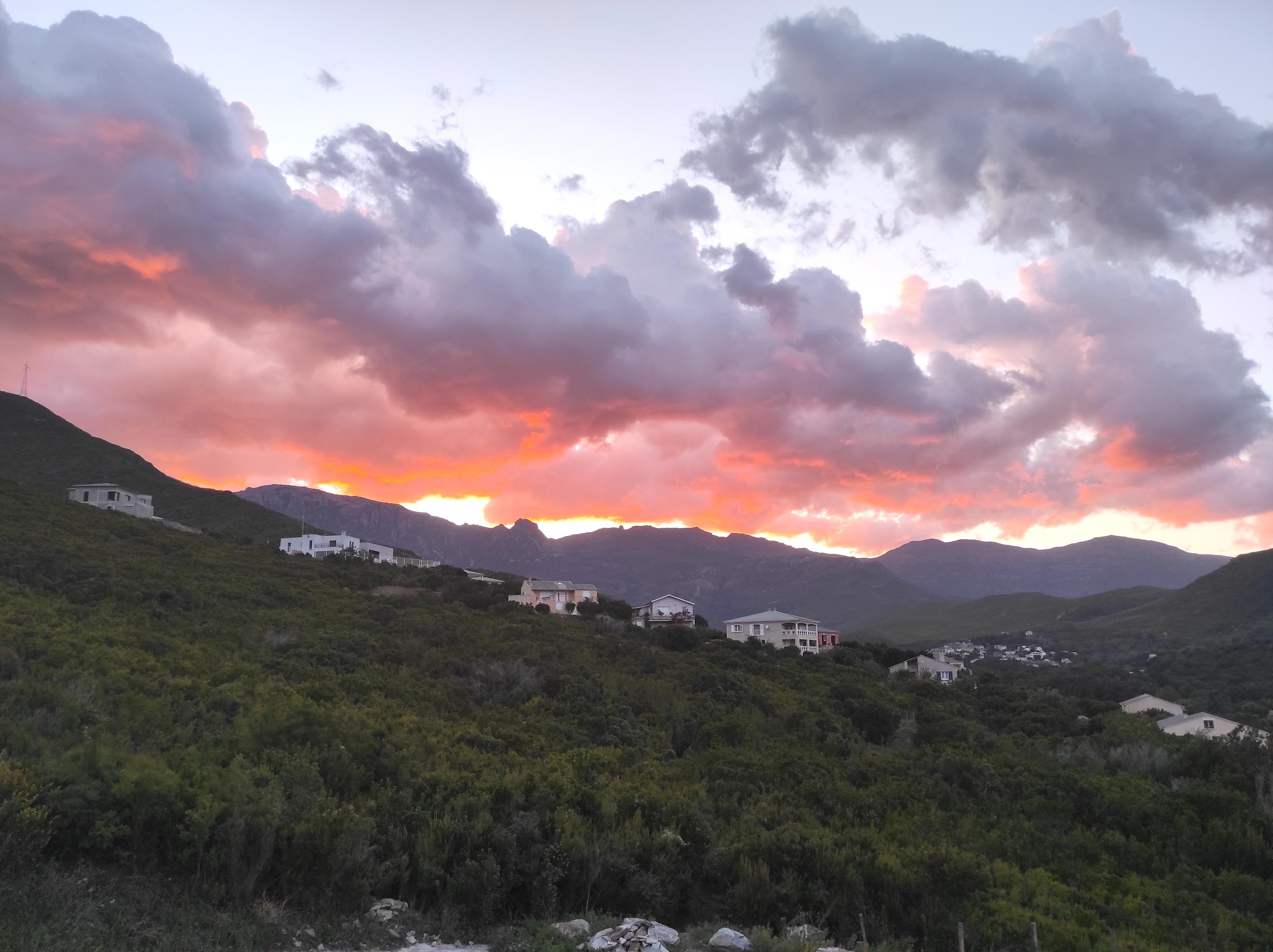 La belle vallée de Siscu à la tombée du jour (Cyril Rigard)