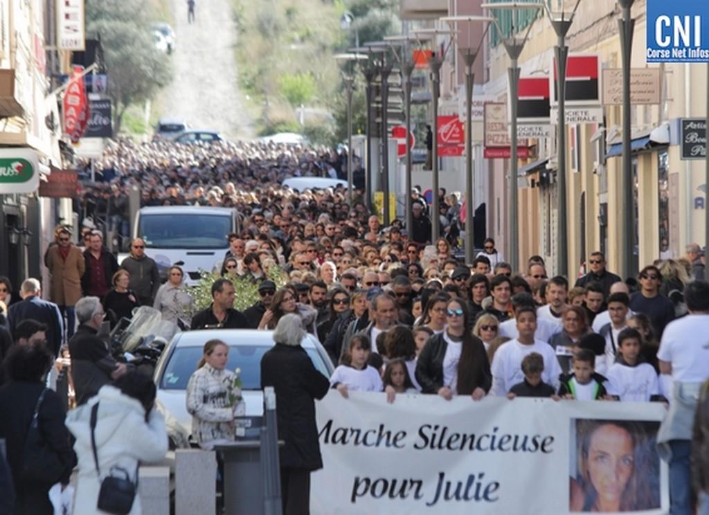 C'était le 9 mars 2019: 3 000 personnes rendaient hommage à Julie Douib