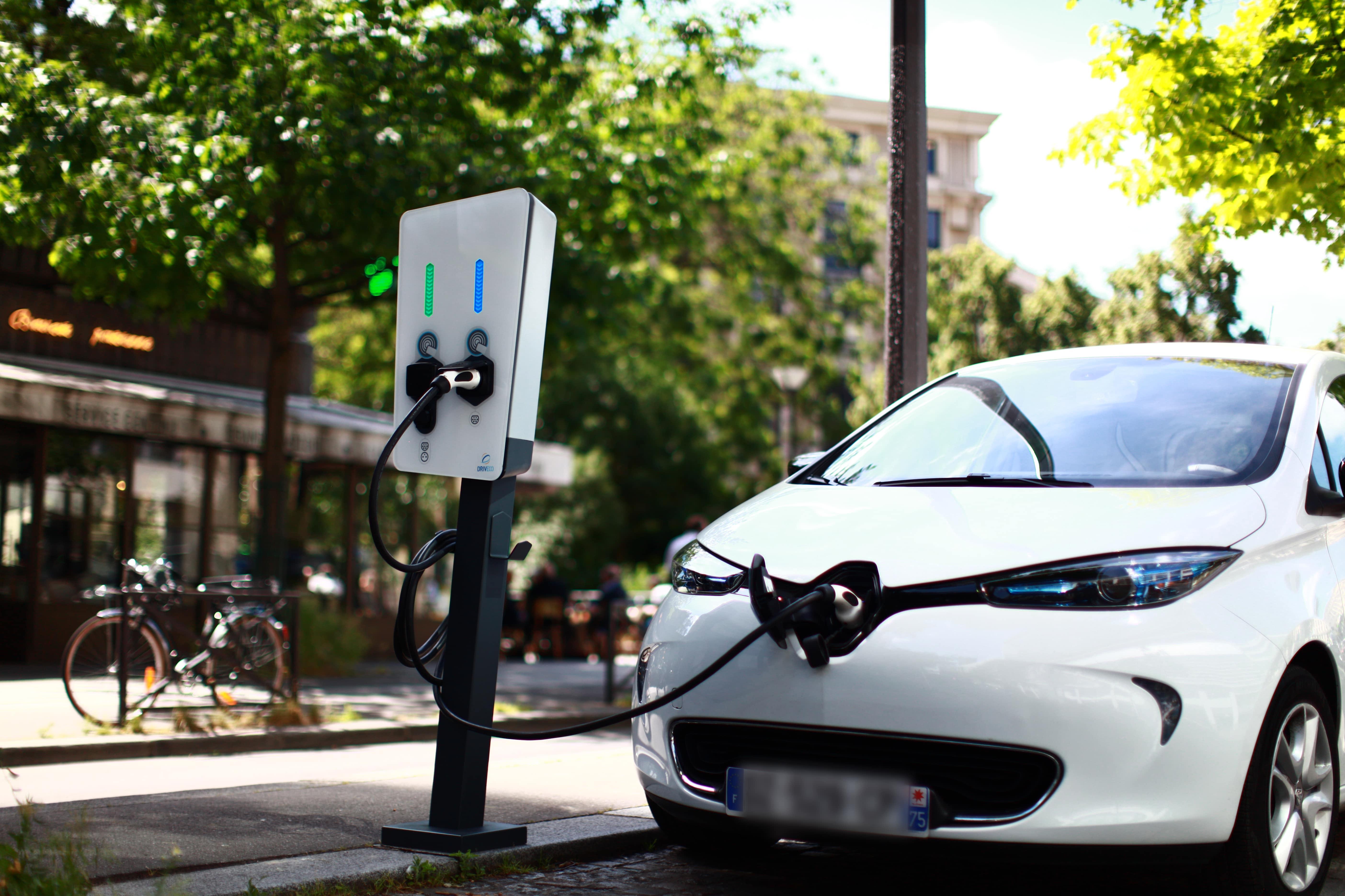 Voitures propres : l'entreprise Corse DRIVECO électrifie le 5e Groupe de distribution automobile Français