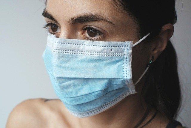Le médecin épidémiologiste Martin Blachier estime que cet hiver, le masque évitera les maladies respiratoires