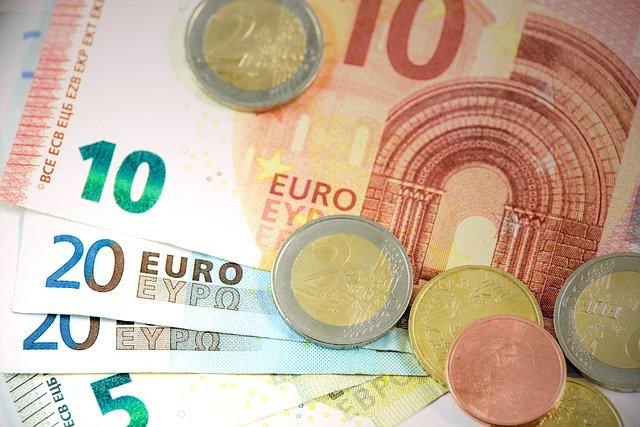 En 2018, le montant moyen de la taxe d'habitation en Corse était de 766 euros par foyer et par an.
