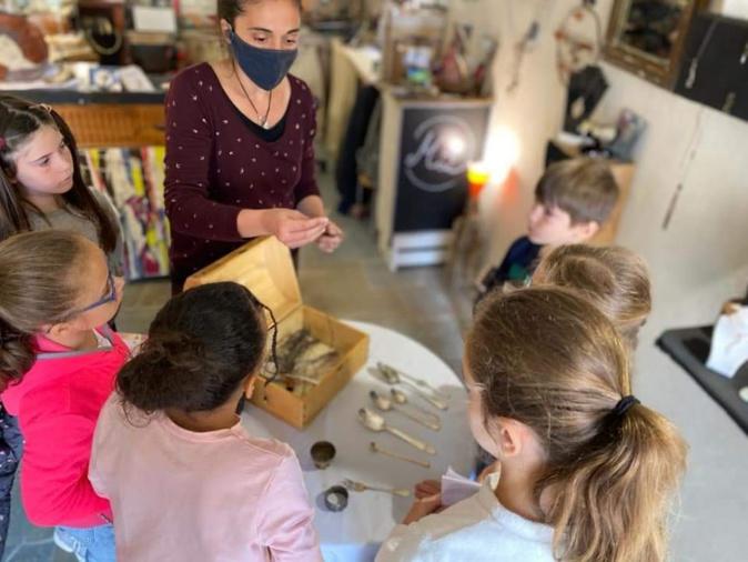 """Des ateliers pour enfants avec les """"Artisans de la Citadelle"""" à Calvi"""