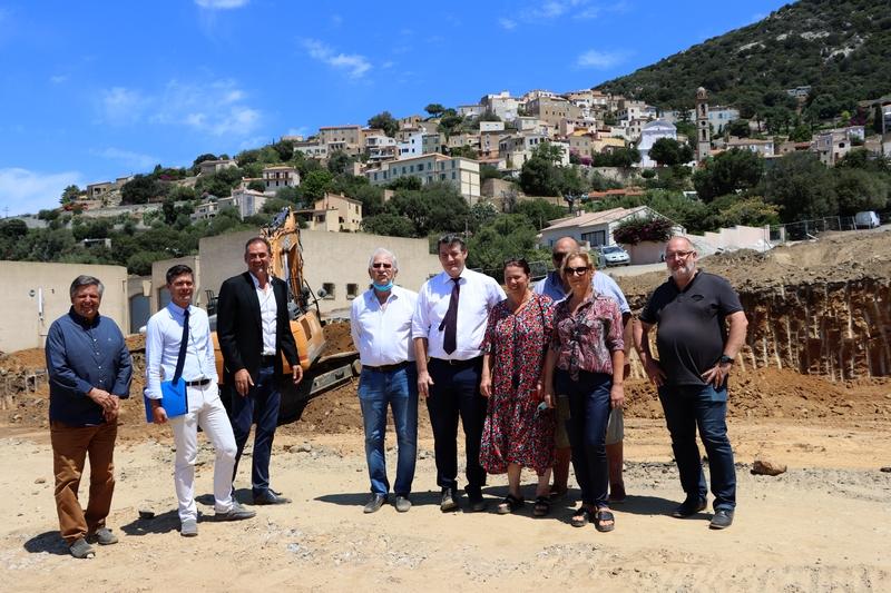 Au mois de juillet dernier sur le chantier de la future école de Lumio