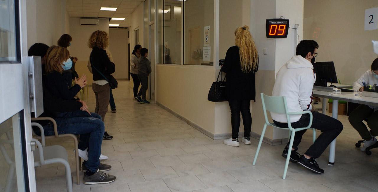 Le hall d'attente des tests PCR