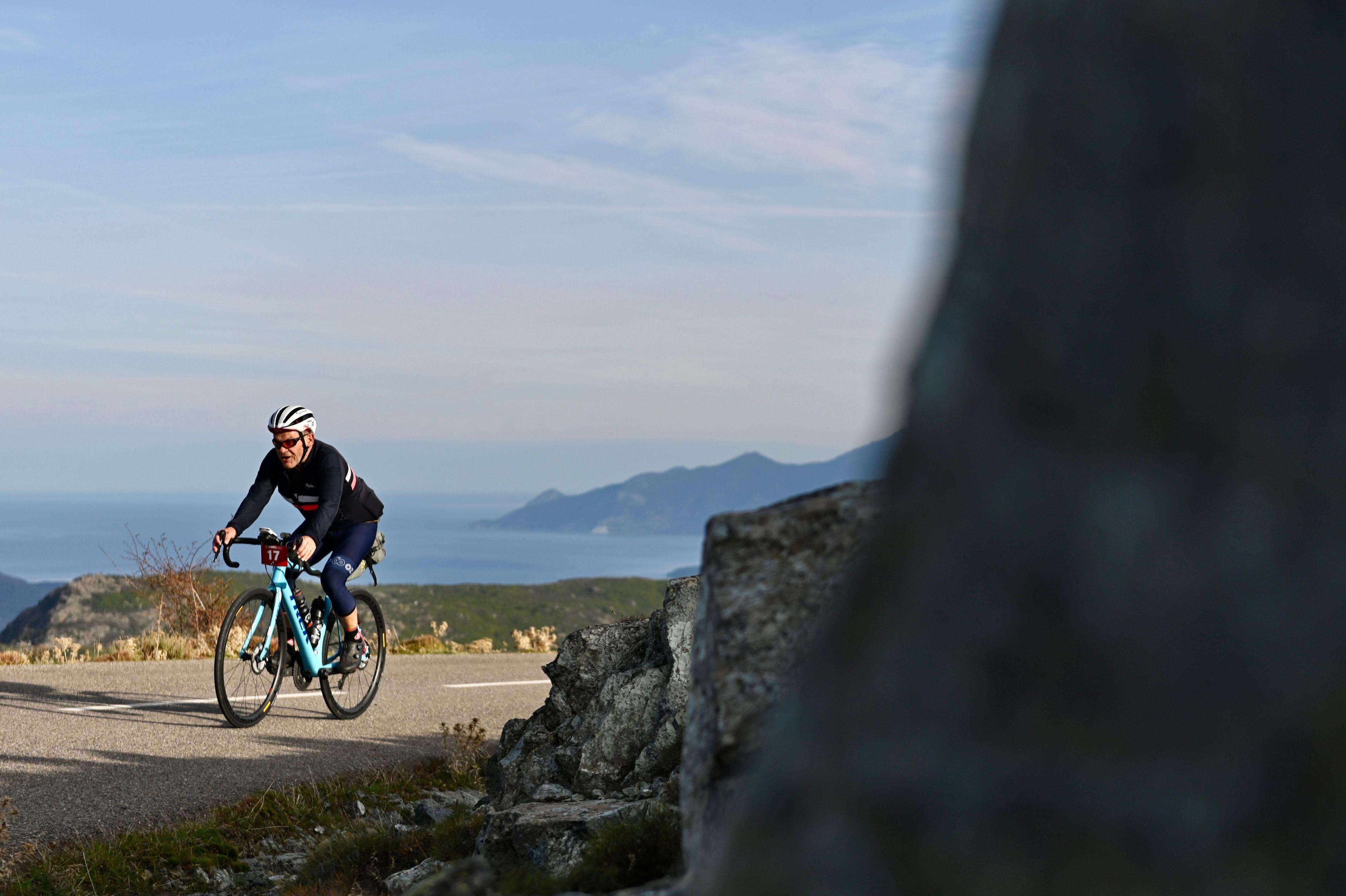 BikingMan Corsica : sous haute tension en plein couvre-feu et confinement
