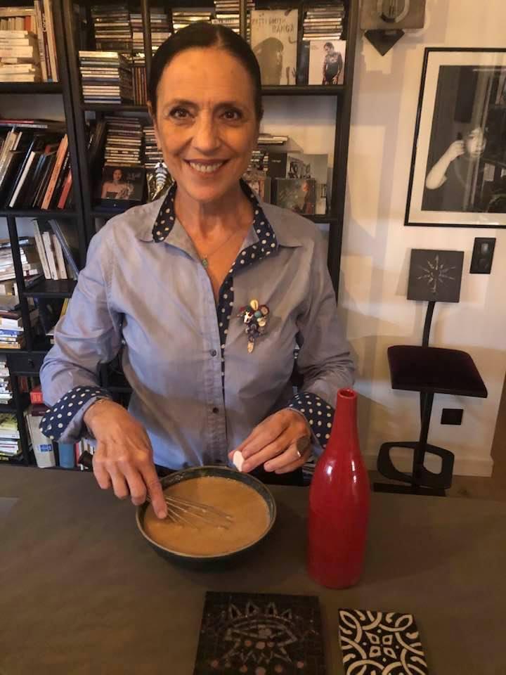 La Pastille de la paix glissée par Patrizia Poli dans un gâteau nustrale