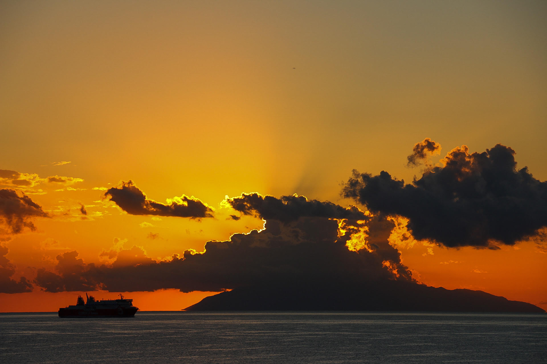 L'île d'Elbe au lever du jour (Yoan Paoli)(