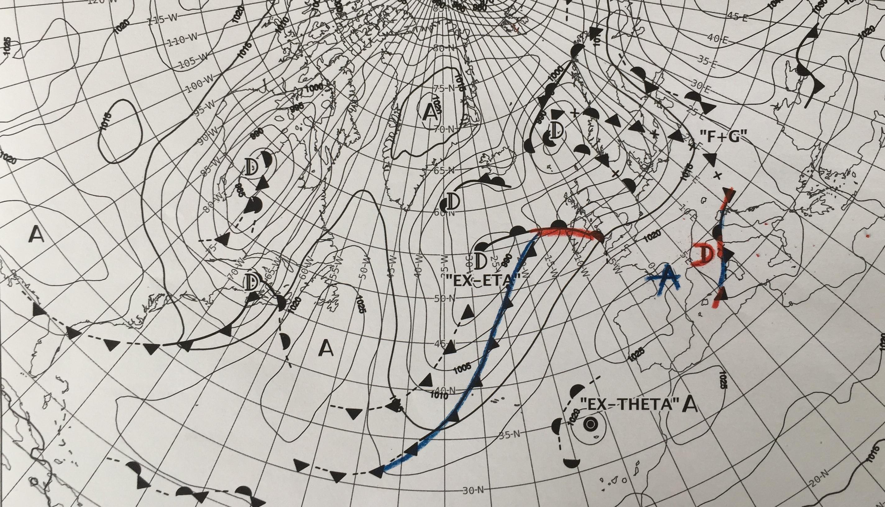 La dépression 1015 hpa sur le golfe de Gênes va engendrer un fort vent d'ouest mais de courte durée.