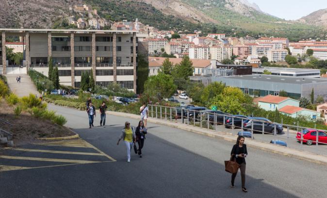 Difficultés financières, absence de matériel informatique, besoin de soutien psychologique : la précarité étudiante est accentué par la crise sanitaire du Covid-19 à l'université de Corse - Crédit photo @università di Corsica
