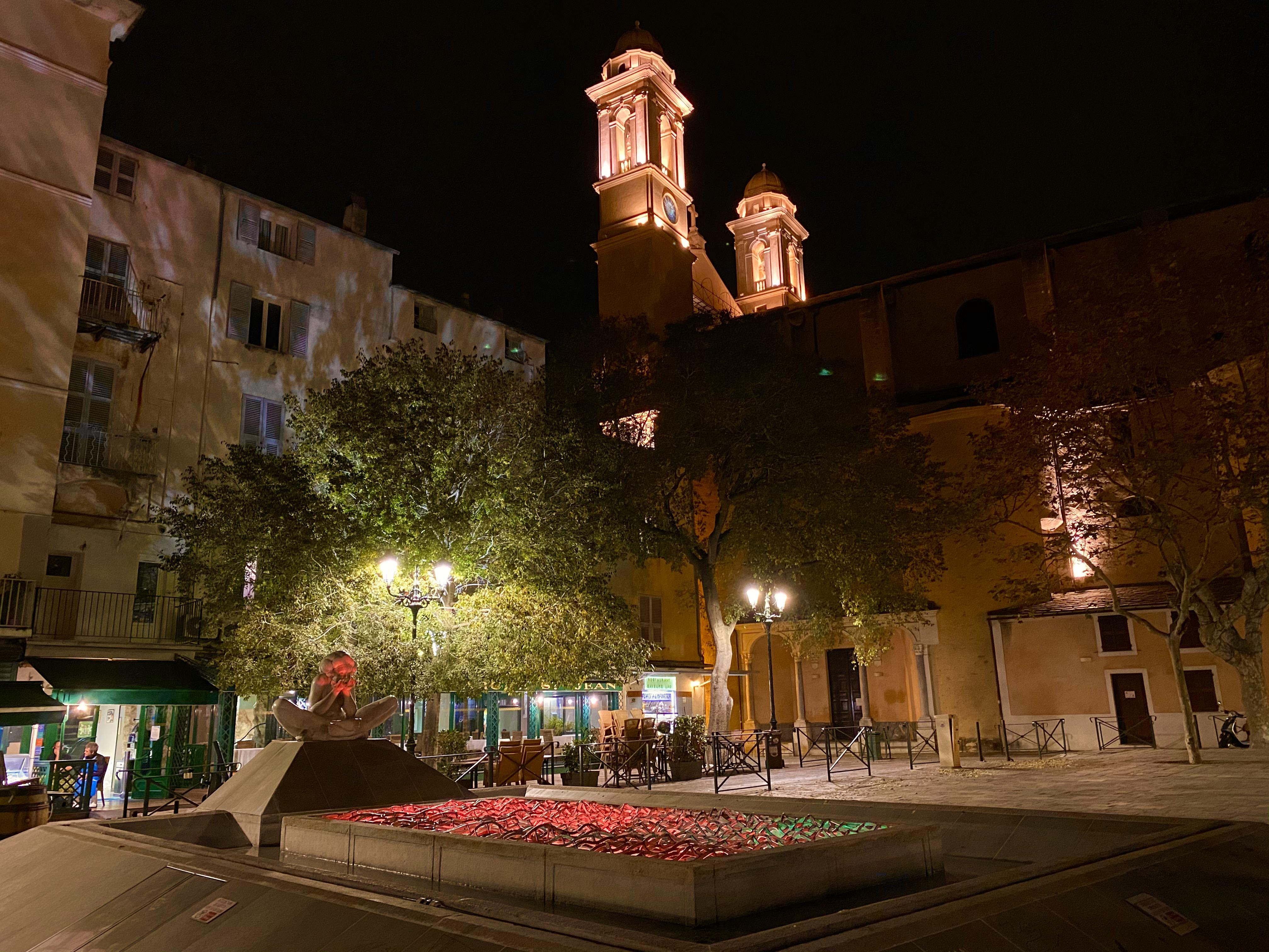 Bastia : la ville se pare d'orange contre les violences faites aux femmes