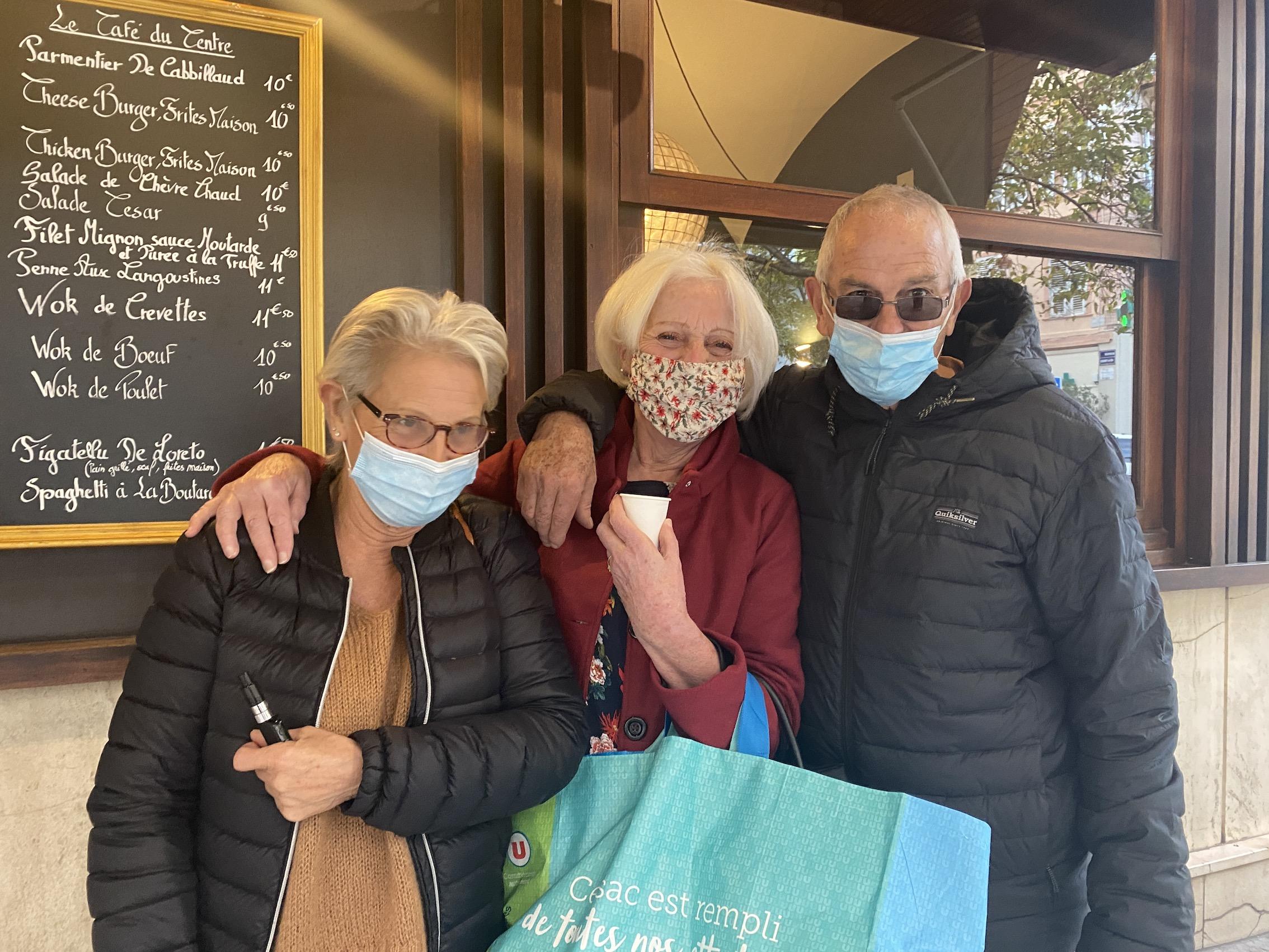 Marcella, Marie et Gilbert tous trois âgés de 70 ans.