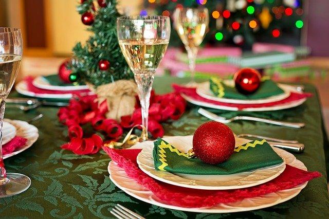 Covid-19 : comment passer Noël en famille en limitant les risques ?
