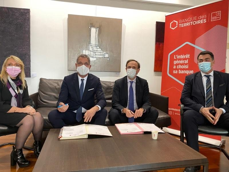 Olivier Sichel et Pierre Savelli ont signé la convention de prêt.