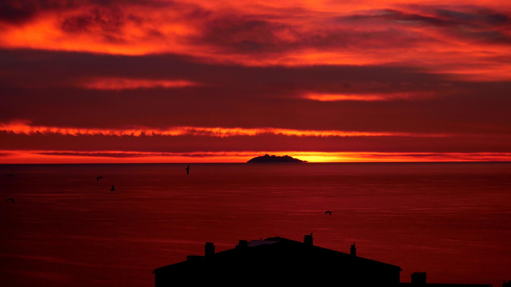 Merveilleux lever de soleil sur Bastia. (100drine20)