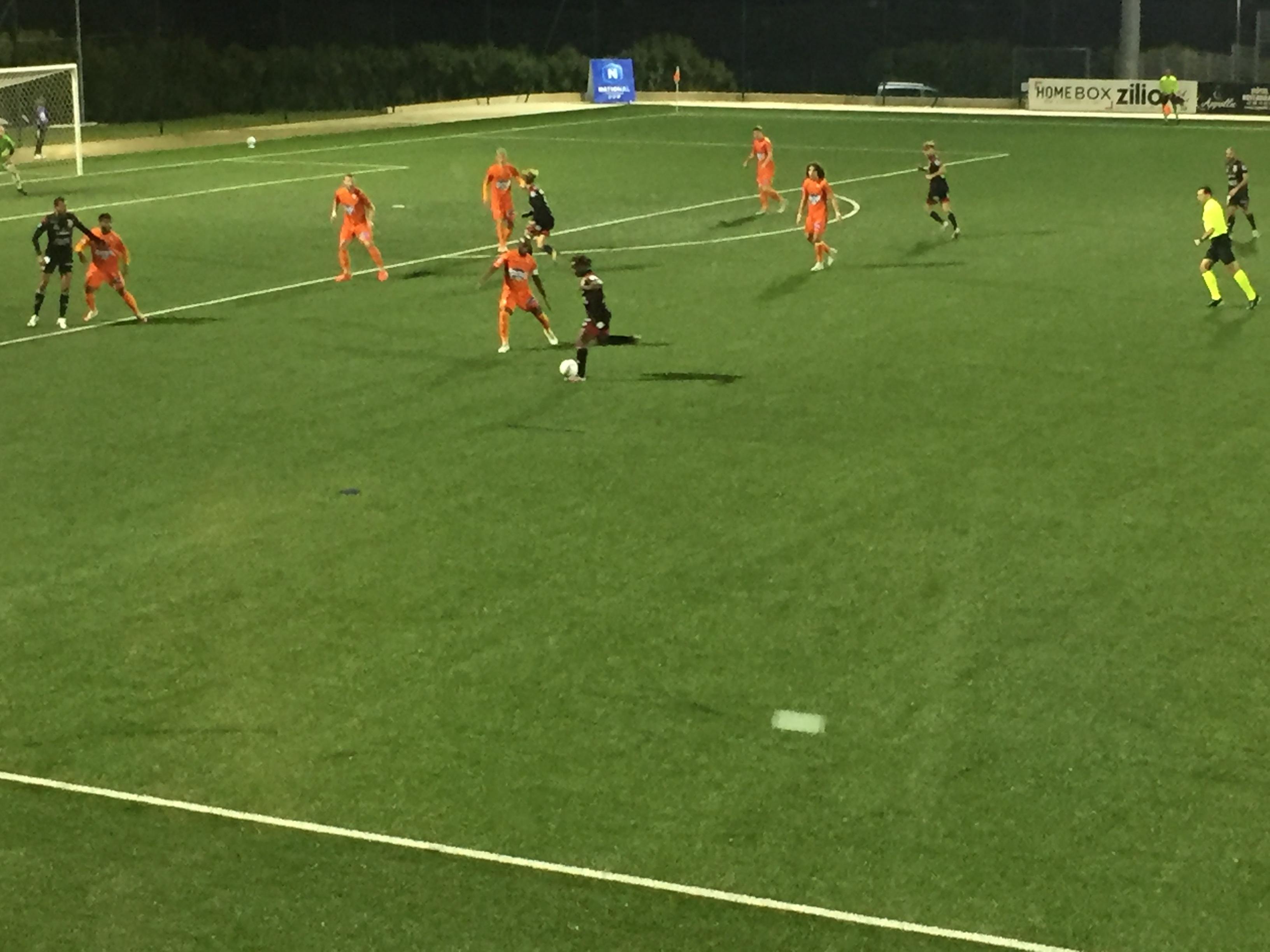 Football N1 : Le FCBB termine l'année sur une défaite face à Laval (1-3)