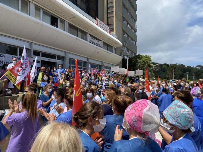 A Bastia les syndicats demandaient une revalorisation des salaires, des lits supplémentaires ainsi qu'une nouvelle structure (Archives CNI)